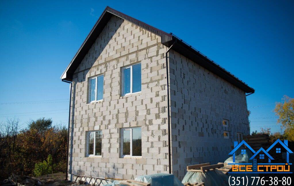 Недорогой дом из пеноблока