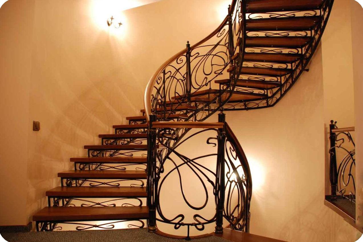 изготовление лестниц в химках